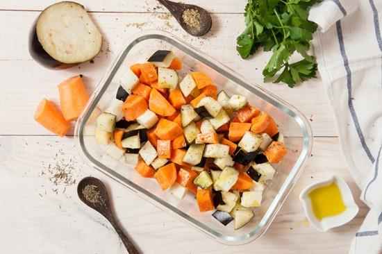 салат с курицей и ананасами слоями классический рецепт