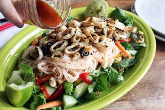 Салаты с кальмарами рецепты с фото простые и вкусные