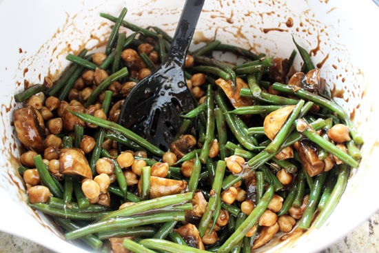 Простые и вкусные салаты на Новый 2018 год: рецепты-новинки с фото