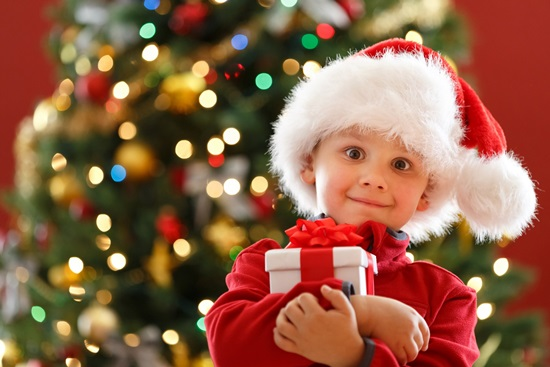 Детские стихи на утренник к Новому году в младшей, средней, старшей группе детского сада и в начальной школе