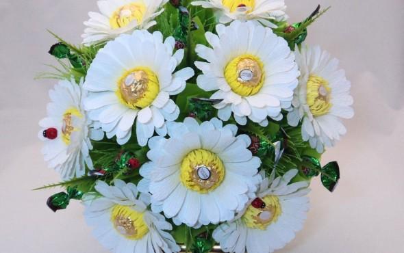 Композиции из искусственных цветов и сухоцветов фото