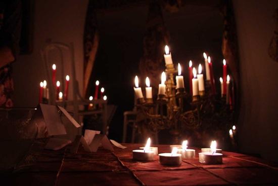 Гадание на воде, свечах и кольце