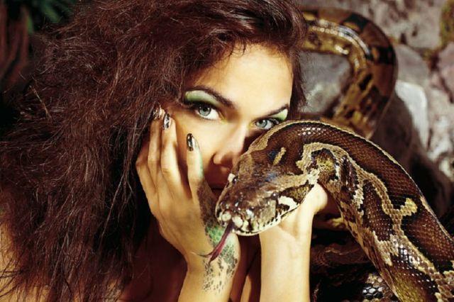 К чему беременной снится змея 2