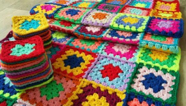 бабушкин квадрат крючком схемы разноцветные с описанием