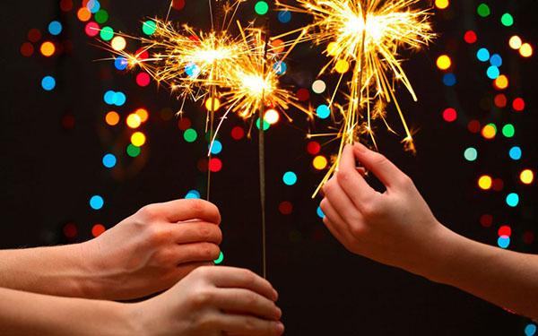 Стихи с Новым годом 2019 Свиньи с поздравлениями и пожеланиями, короткие смешные и прикольные новогодние стихи