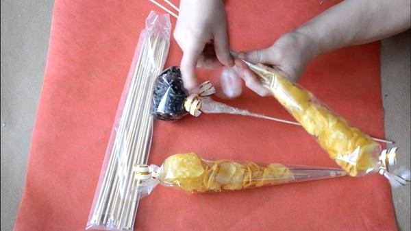 buket-iz-piva-19 Как сделать пивной букет своими руками, пошагово. Букет пивной для мужчин фото, в кружке, в коробке, на 23 февраля