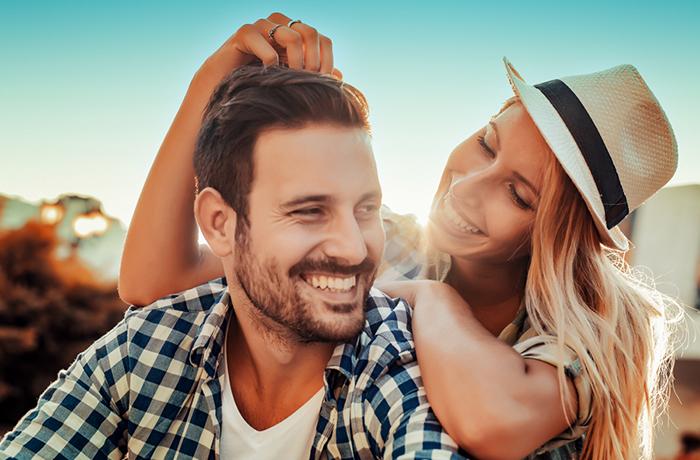 5 признаков влюбленного мужчины