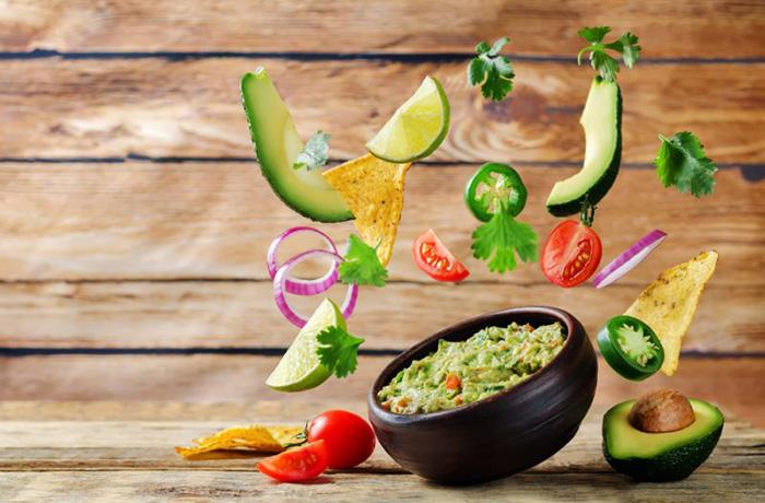 Гуакамоле из авокадо и помидор: простой рецепт