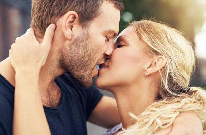 Как целоваться без языка