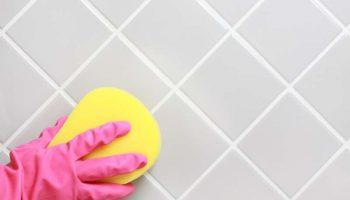3 простых трюка, которые могут помочь избавиться от отвратительной плесени в ванной и предотвратить ее возвращение