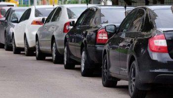 Научитесь парковать автомобиль лучше, чем ваш муж: 5 основных правил параллельной парковки
