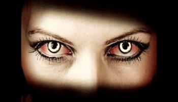 Опасный контакт: 3 знака зодиака, которые могут сглазить, лишь посмотрев в спину
