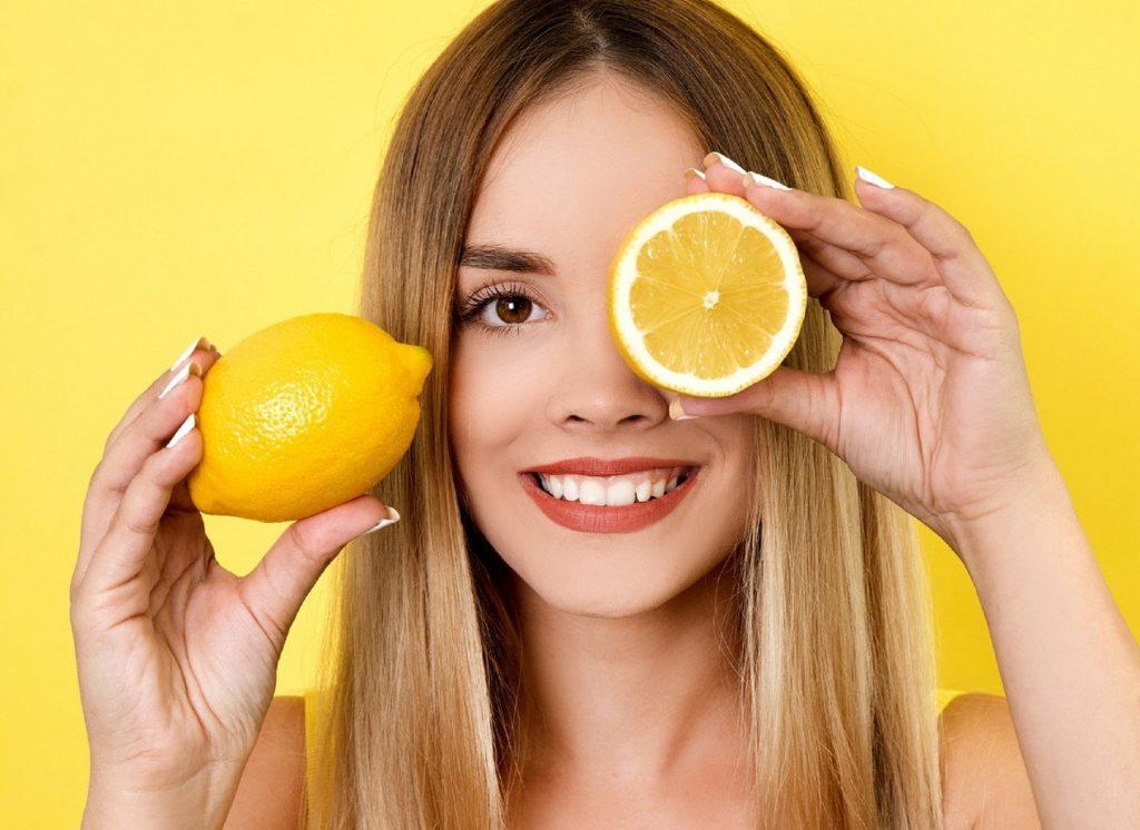 Кислая жизнь: какие косметические процедуры можно заменить обычным лимоном