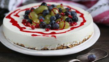 Похудение в радость: легкий торт из творога