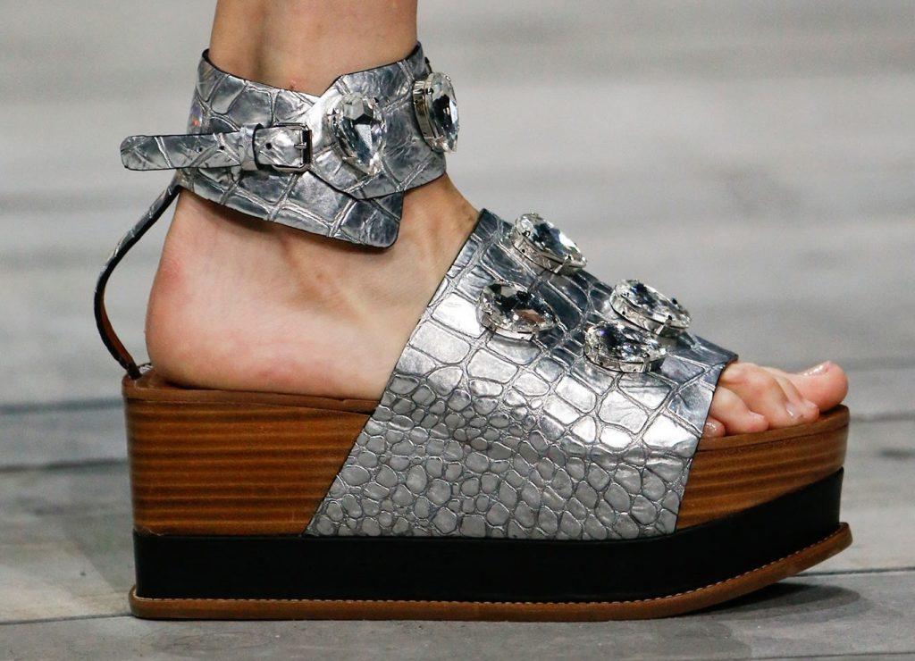 Обзор модной обуви сезона весна-лето 2020 на платформе