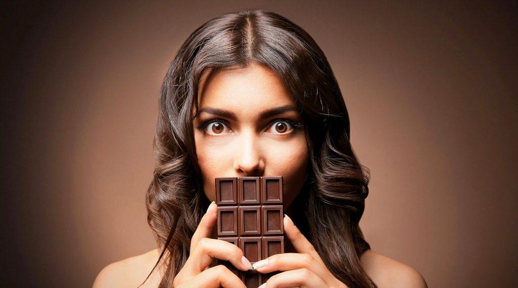 В погоне за гормонами счастья: продукты, повышающие настроение
