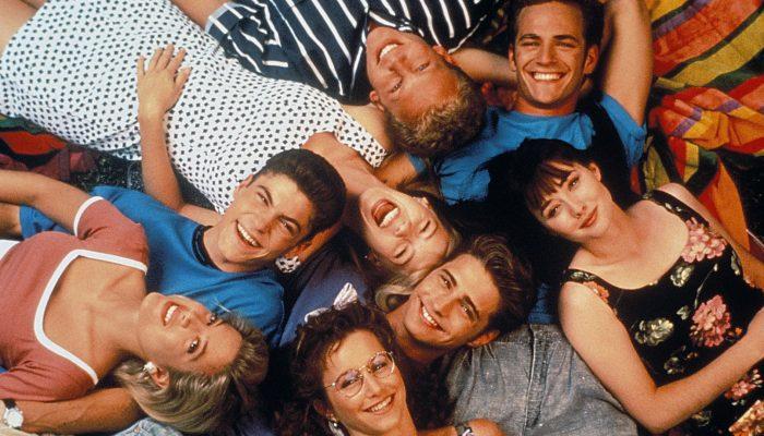 Назад в 90-е: популярные сериалы тех времен