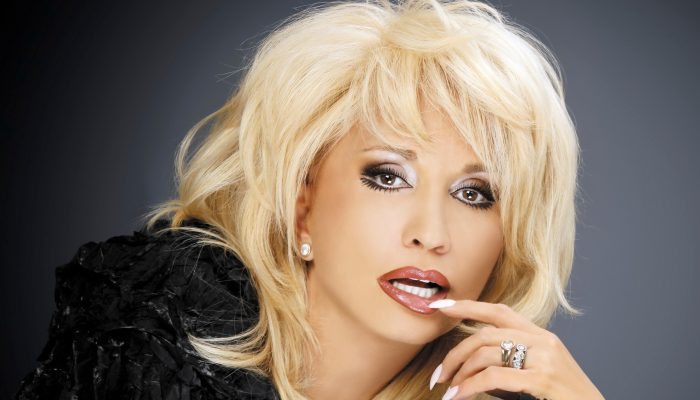 Так намного интереснее: Ирина Аллегрова показала, как выглядит без своего знаменитого парика