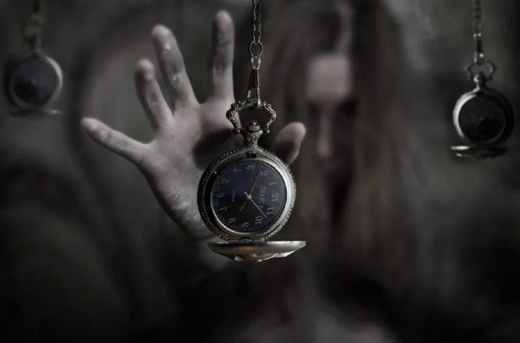 Обманчивая реальность: почему одновременно с гибелью человека останавливаются его наручные часы