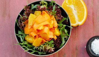 Каковы витамины на вкус: полезный весенний салат из моркови и апельсинов