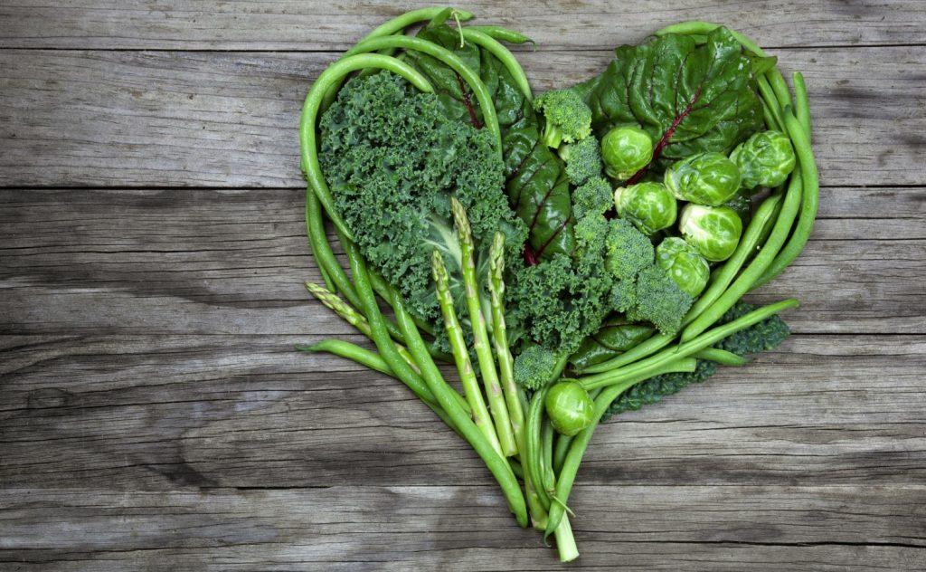 Витаминный рацион: 5 причин добавить в пищу больше зелени