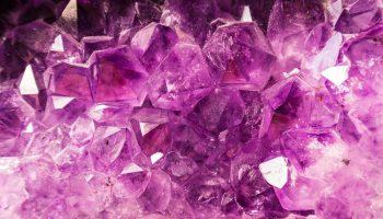 Тест: выбранный кристалл расскажет, чего вам не хватает в жизни на данный момент