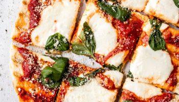Пицца на гриле — рецепт простого ужина