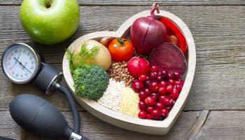 «100 лет в обед»: какие продукты добавить в рацион для здорового долголетия