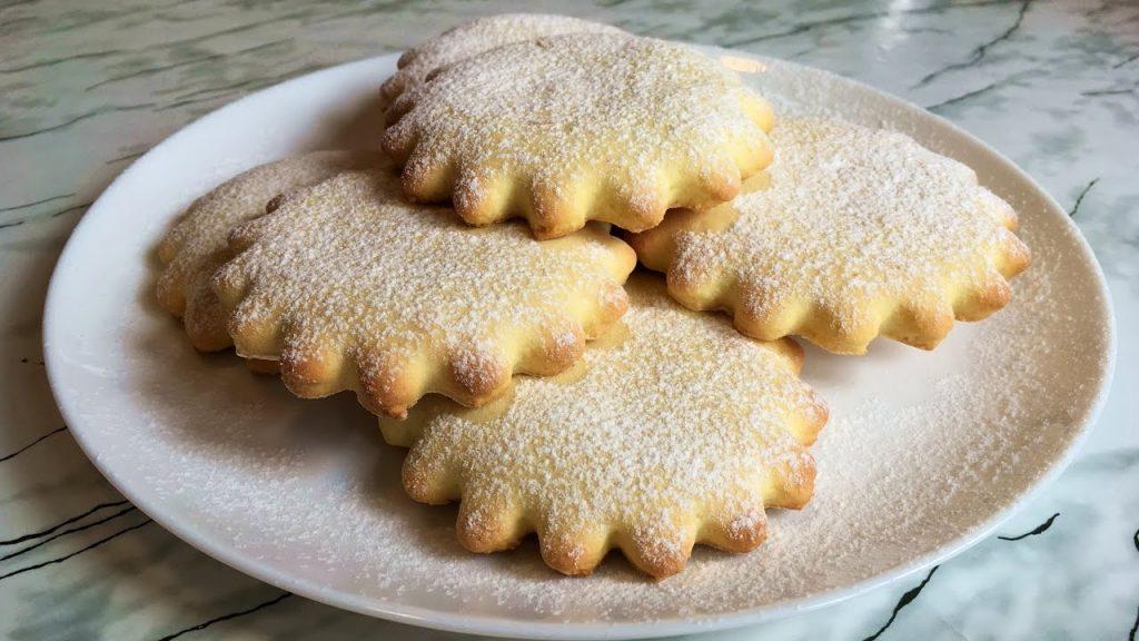Коржики сахарные: простой рецепт