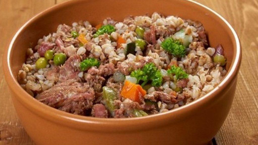 Курица с гречкой и шампиньонами: рецепт сытного обеда