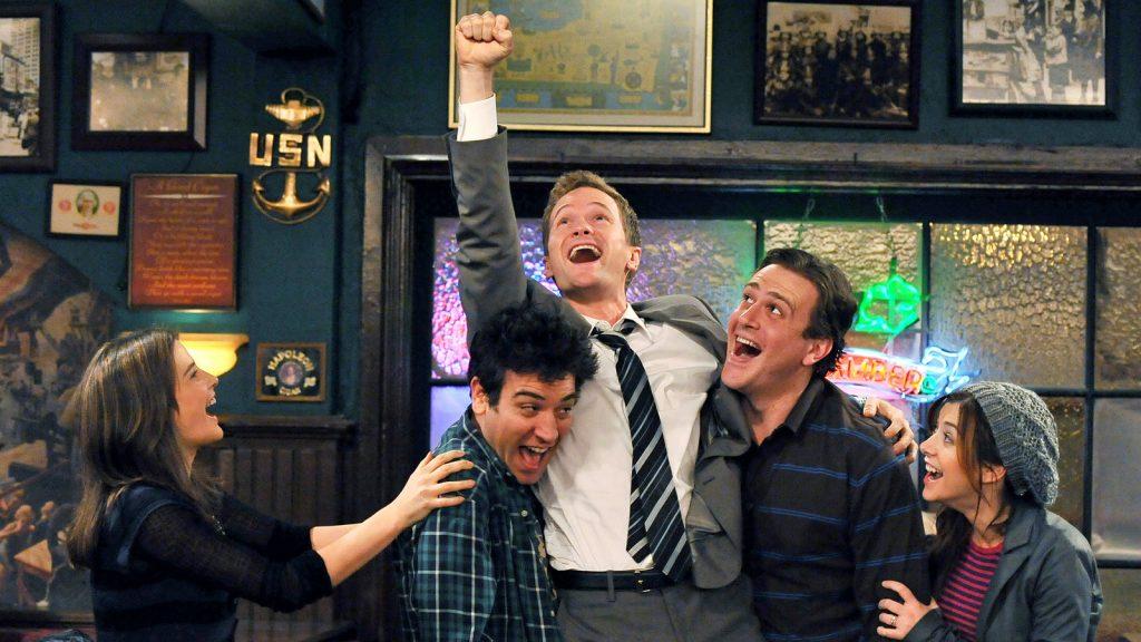 Улыбка до ушей: 4 рейтинговых комедийных сериала