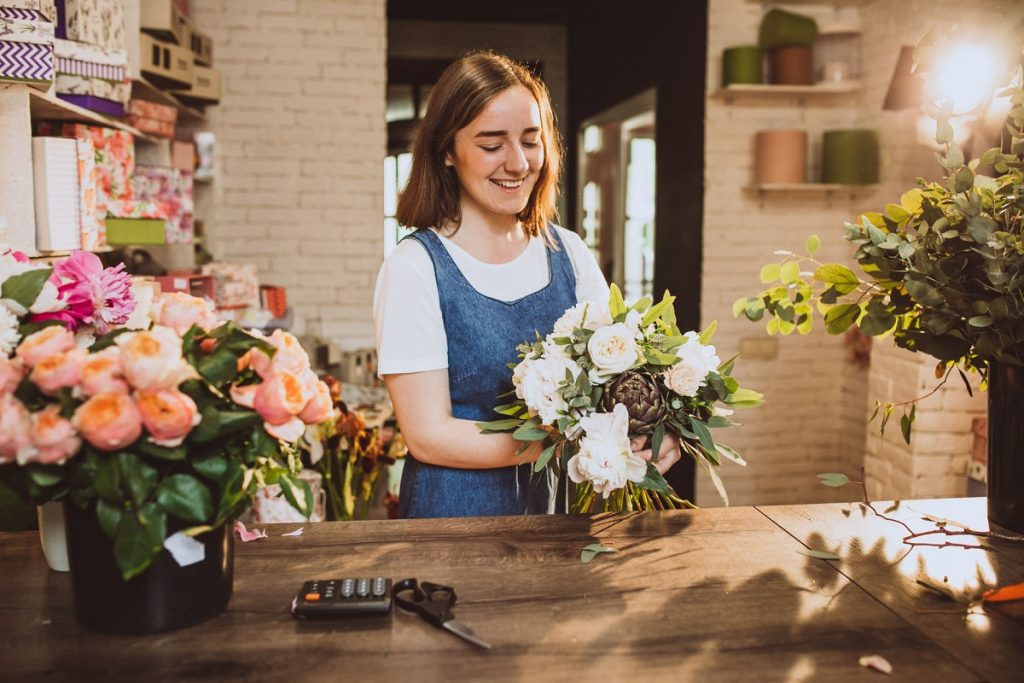 Цветы жизни: как правильно ухаживать за срезанными цветами и букетами