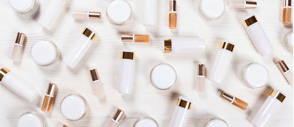 Красота в мелочах: средства из аптеки, которые помогут в уходе за кожей и волосами