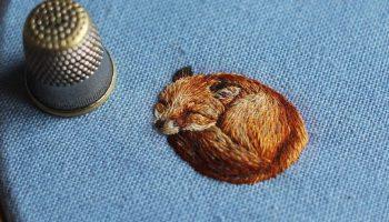 Между вышивкой и живописью: вышитые миниатюрные иллюстрации спящих животных от Хлои Джордано