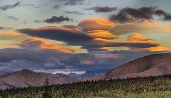 Небесные гиганты: подборка фотографий необычных облаков