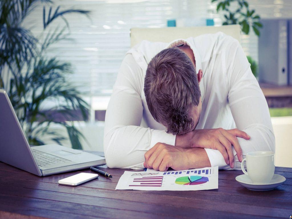 Утомление от «ума»: почему после тяжелой умственной работы человек чувствует физическую усталость?