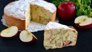 Классическая шарлотка: простой рецепт легендарного десерта
