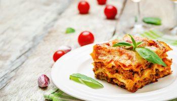 Гарфилд одобряет: рецепт вкусной итальянской лазаньи с томатами и грибами