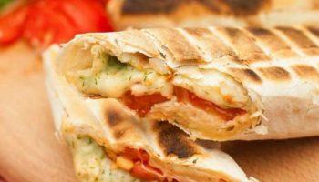 Горячие бутерброды в лаваше – быстрый и вкусный завтрак за 10 минут