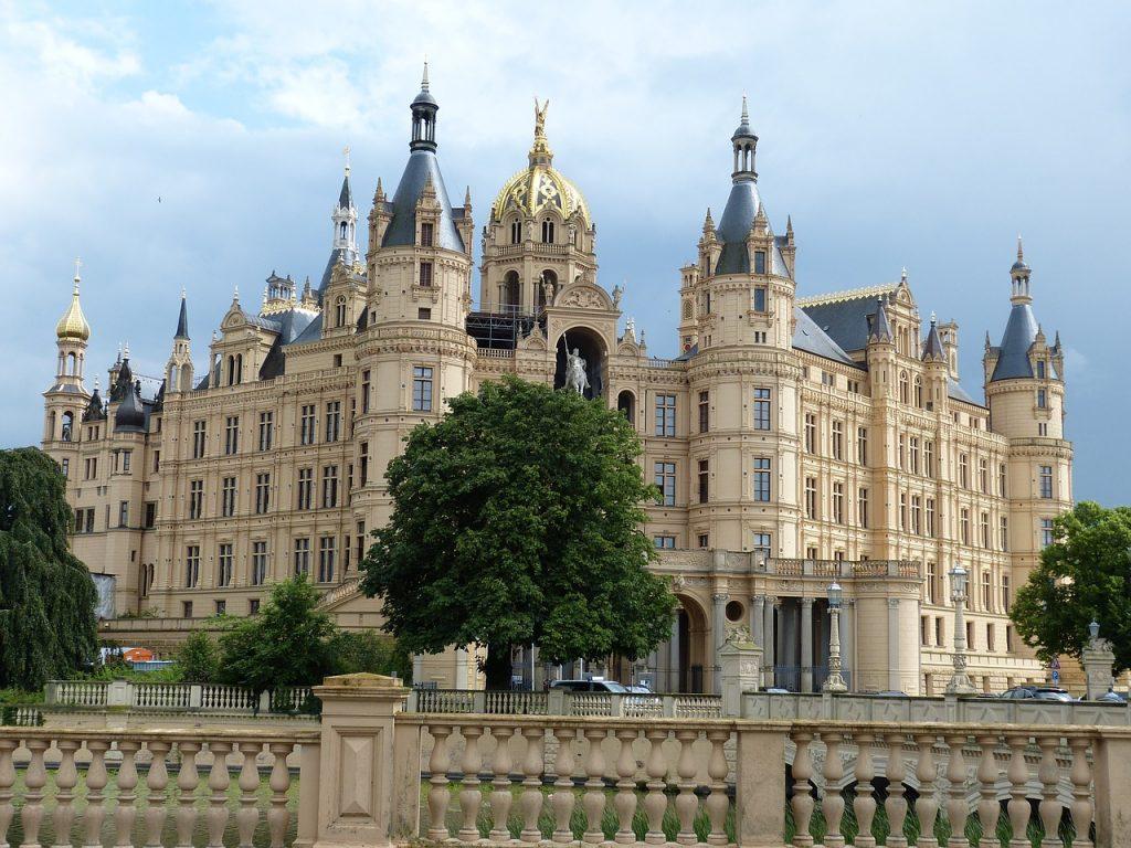 Старинные места в Германии: топ-5 очень красивых замков