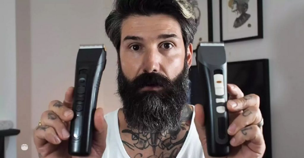 Мужчина сбрил бороду впервые за десять лет и напугал жену. Она не понимает, почему он выглядит так молодо