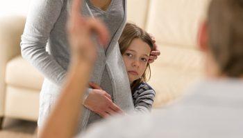 Не навреди: от каких учреждений стоит обезопасить ребёнка