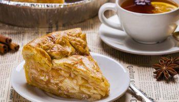 Закрытый пирог с яблоками: старинный рецепт