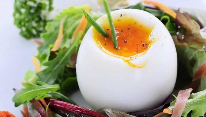 Полезные завтраки: 4 блюда из яиц