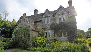 Вернуться в детство: Джоан Роулинг купила дом, где провела школьные годы, и про который писала вроманах