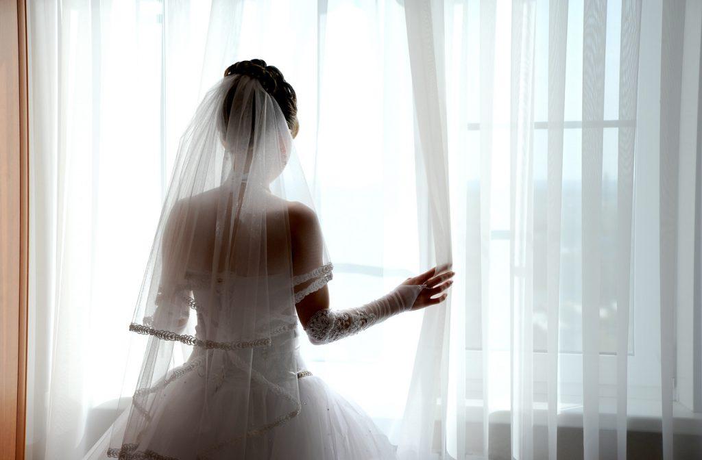 Ах, эта свадьба: топ-5 лучших свадебных платьев отечественных звезд
