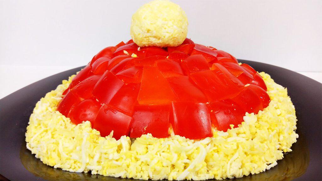 «Красная шапочка» на ваш банкет: салат, который подойдет для каждого праздника