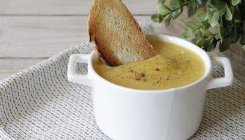 И никакого запаха: суп-пюре из лука, чеснока и картошки, который можно съесть даже перед свиданием