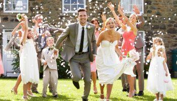 Белое не надевать: этикет во время свадьбы, который нельзя нарушать, если вас об этом попросили
