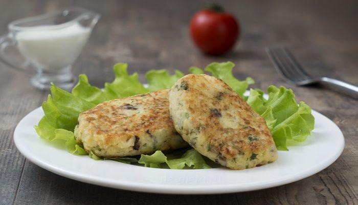 Рецепт на скорую руку: вкусные котлеты из картофеля и грибов